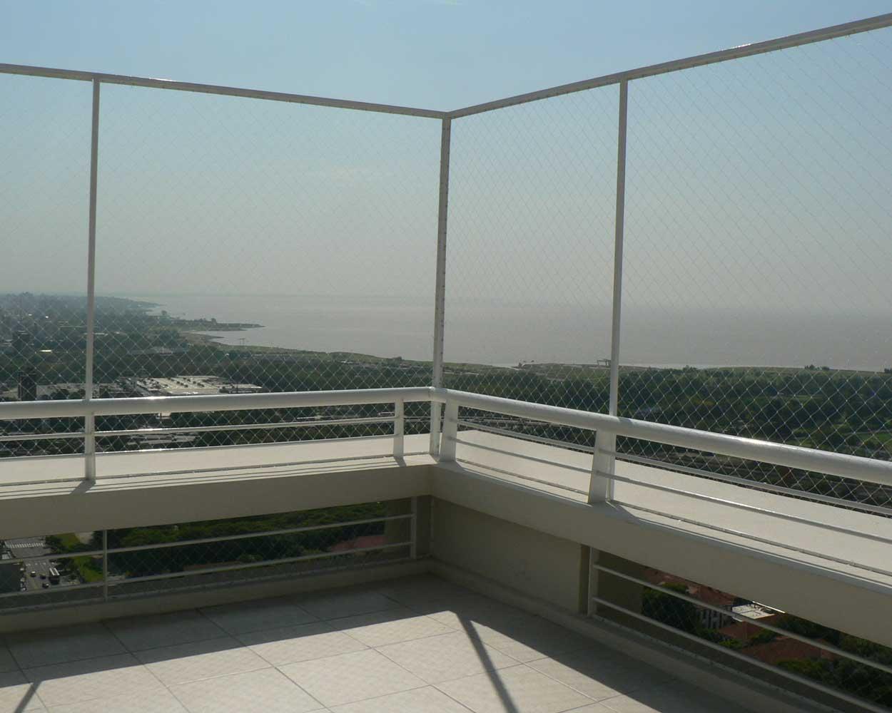 Rete Per Balconi Bambini la installazione della rete anticaduta kidpro è semplice.